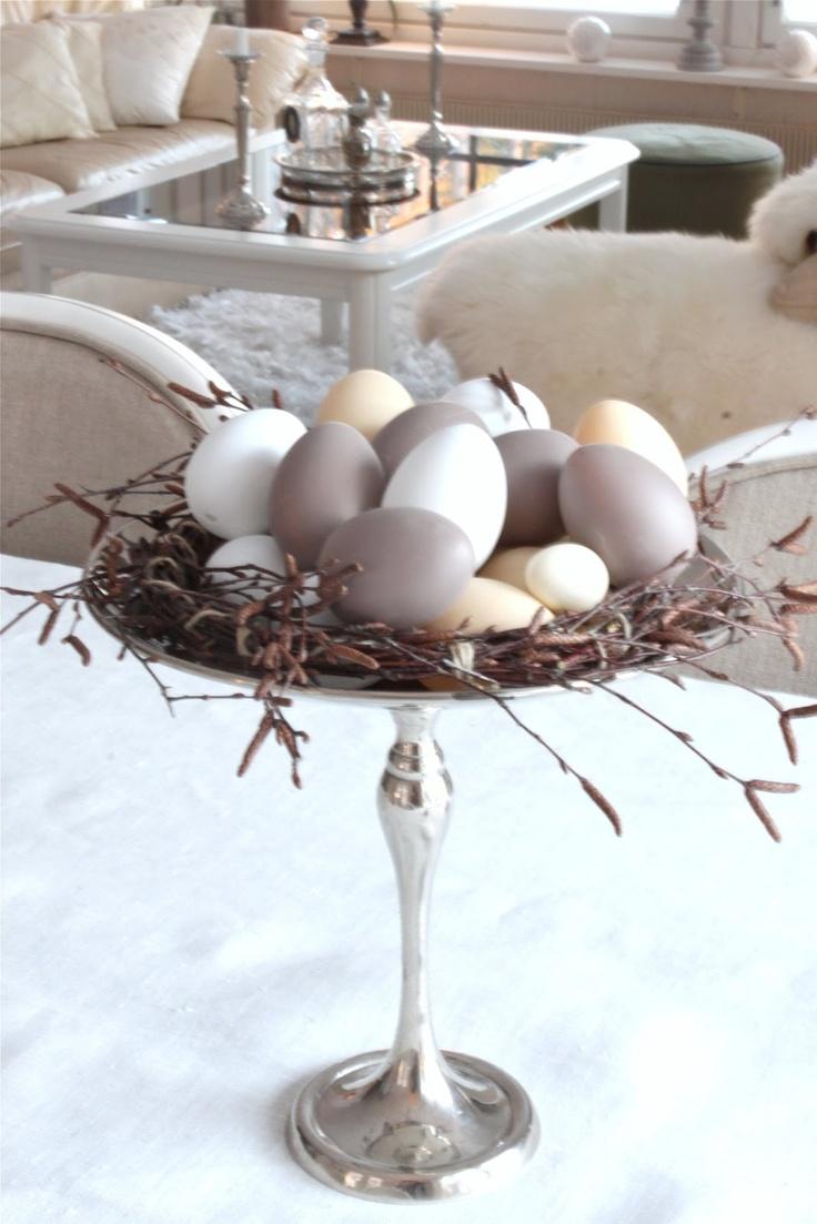 elegant Easter display | twiggy wreath and pastel eggs