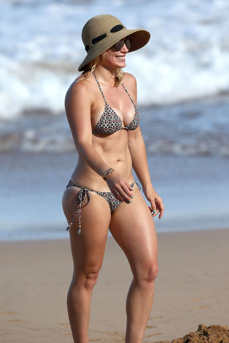 Hilary Duff - bikini beach vacation candids in Hawaii, September 8, 2015
