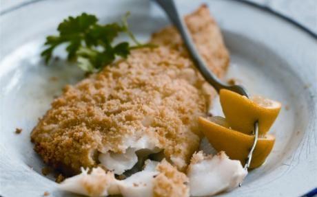Parmesan Baked Alaska Cod Recipe via @SparkPeople 3 tbsp flour 3 tbsp cornmeal 1/4 tsp onion salt 1/8 tsp pepper 2 tbsp butter or margarine 1 lb Alaska Cod fillets, thawed 1/4 cup grated parmesan cheese