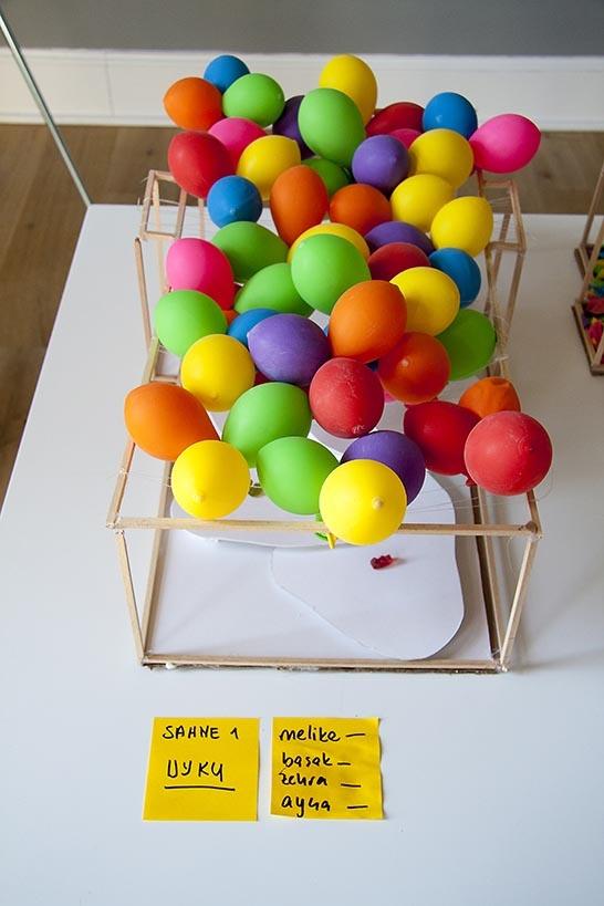 12 Ekim 2012'de SALT Galata'da gerçekleştirilen ''Hayal Et, Tasarla, Tartış'' atölyesinde üretilen öğreci projeleri...