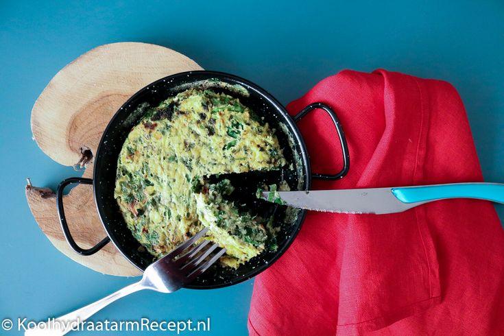 Voor deze goed gevulde spinazie frittata met ricotta en kruiden hoef je echt geen keukenprinses te zijn. Het is zelfs makkelijker dan een eitje bakken!