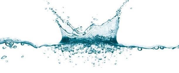 """ŞİŞEDEKİ YAĞMUR ORMANI: MİST SPRAY  Hem yüz hem vücut için üretilen mist spray'ler hayatımızda gitgide daha çok yer tutmaya başladı. Termal yahut mineral suların, gün içinde cildinizi nemlendirmek, ferahlatmak veya yatıştırmak için şişelenmiş haline """"mist spray"""" diyoruz..."""