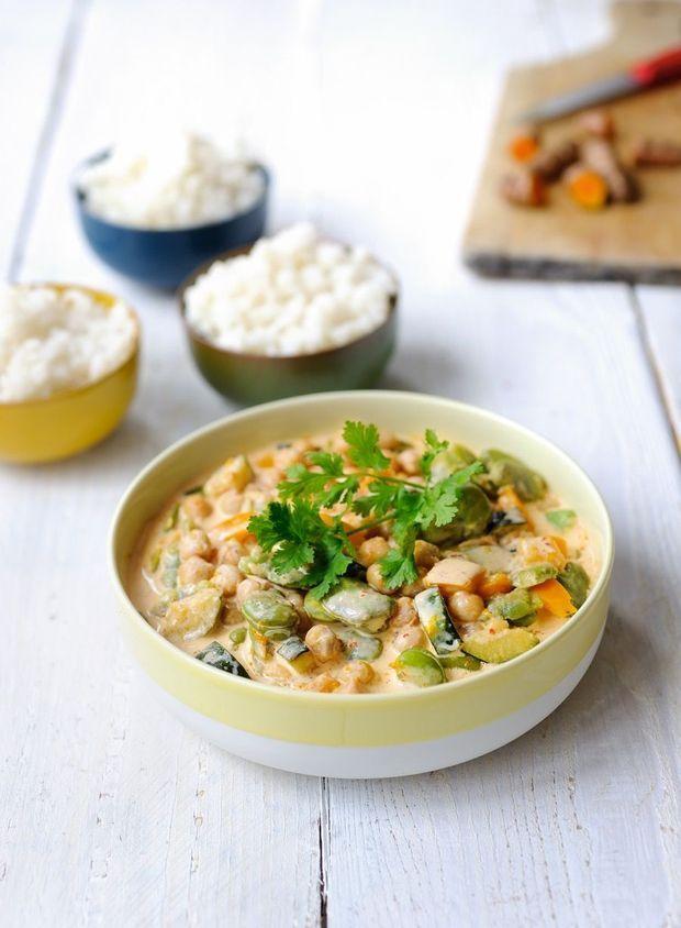 Curry met kikkererwten en tuinbonen