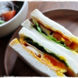 簡単ですが、とっても美味しいサンドイッチです。 ベーコンも合いますよ♪