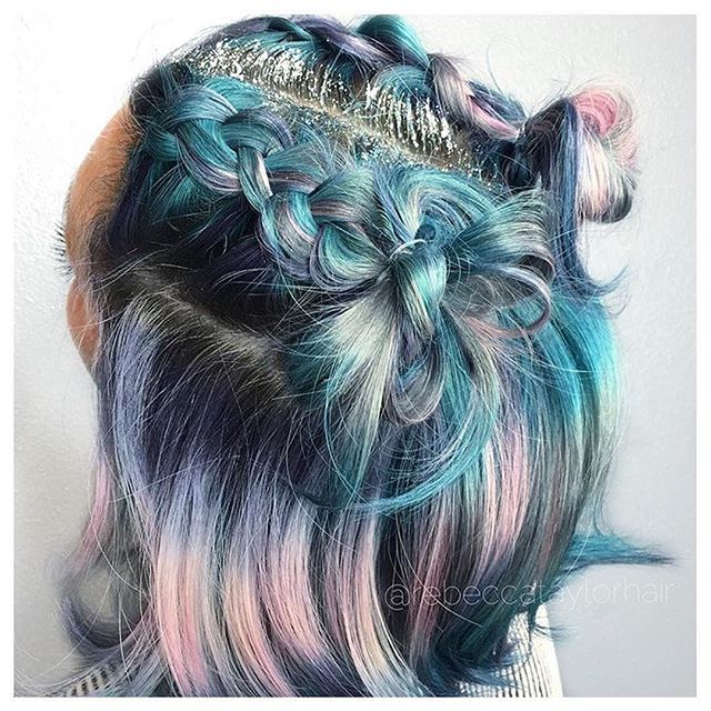 Glitter roots #hairoftheday goes to @rebeccataylorhair for this pretty pastel @kenraprofessional shine line perfectly accented with silver glitter roots  #repost #hotd #rebeccataylorhair #glitterroots #shineline #cosmoprofbeauty #licensedtocreate #kenra