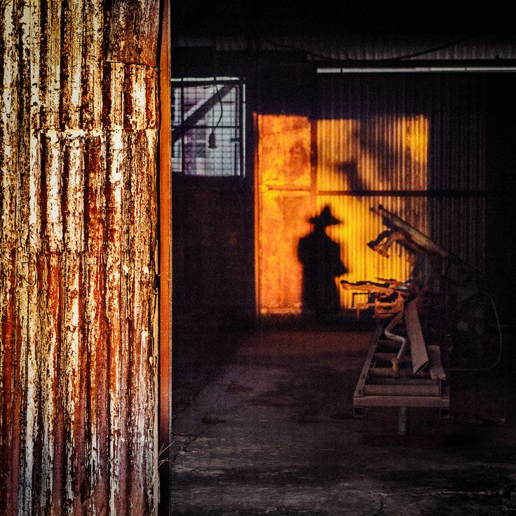 The Photographers Shadow - Hermannsburg, Central Australia - www.electronicswagman.com.au