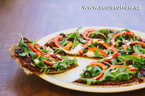 Raw pizza (raw food) – recept od Secret of raw :: Syrová strava