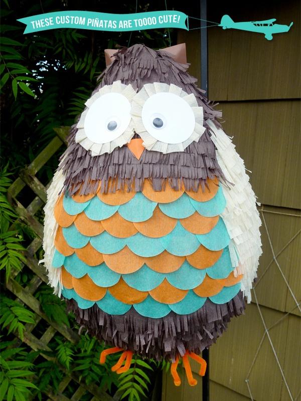Owl Piñata. Ay no, ésta piñata da lástima que la tumben :(