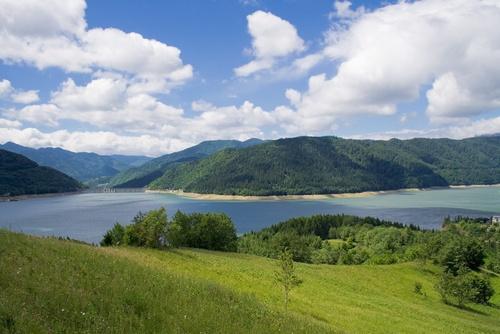 Lacul Izvorul Muntelui (cunoscut și sub denumirea de Lacul Bicaz)