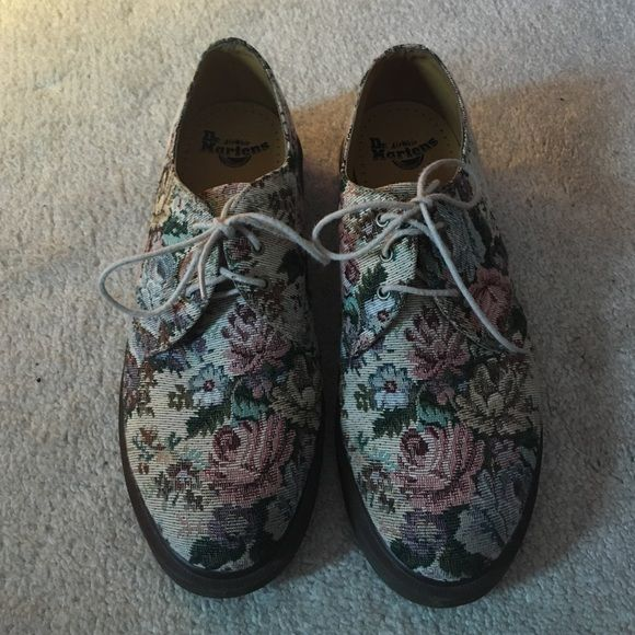 RARE Doc Marten FLORAL 1461 ⭐️MUST GO⭐️ Super cute doc martens perfect for all year round. I wore them once but they are a little too big so I want to sell for someone else to enjoy! It's a men's shoe size 9 or 42 Euro- I'm a women's size 10. Flexible on offers- please be fair ☺️ Dr. Martens Shoes Flats & Loafers