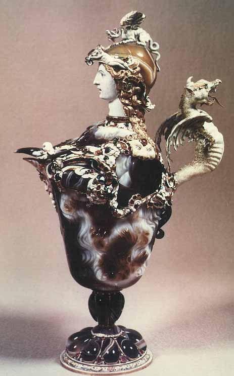 CM5 / Aiguière à la minerve, coupe de sardoine, Ier siècle av. JC, monture en or émaillé, Pierre Delabarre, Paris 1630, Louvre