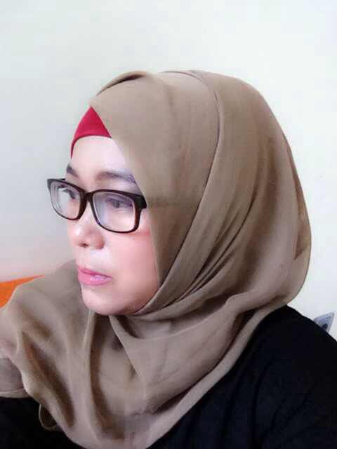 Hijaber with glasses