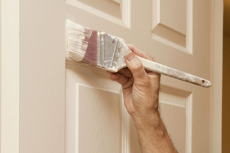 Sliten innerdörr som behöver målas om? Här hittar du tipsen när du ska måla om en innerdörr. Lär dig mer om färgval, grundarbete och målning.