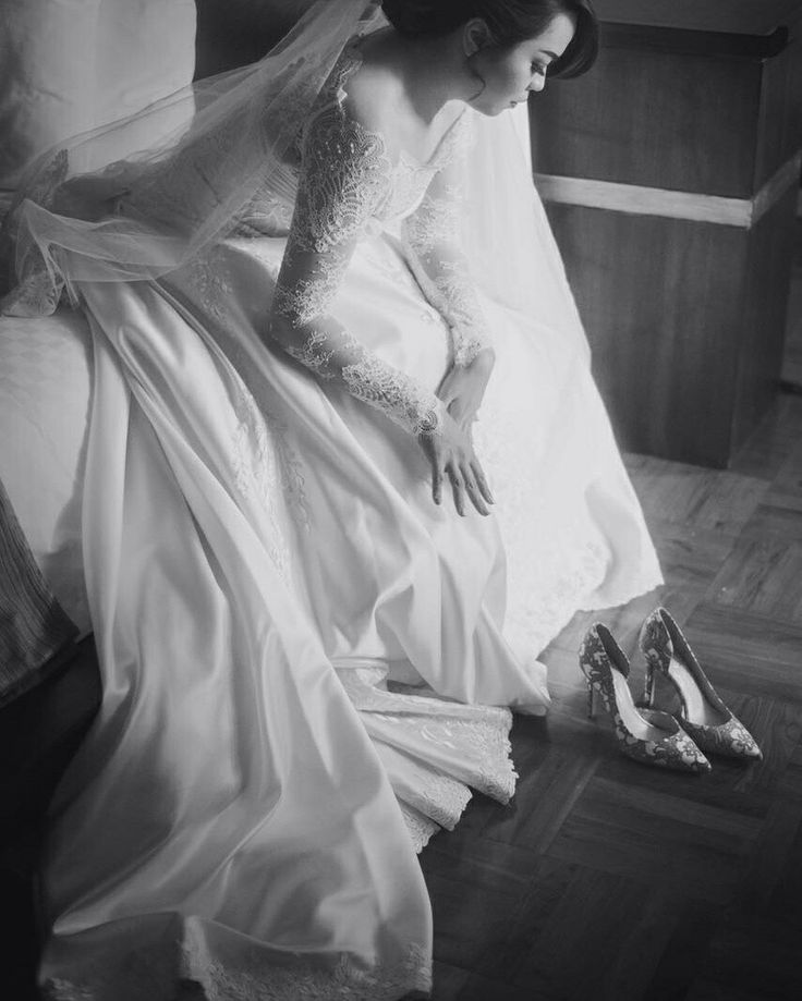 Wedding Gown design by : Liu Nency Shoes : Jessica Simpsonayodya Limited Edition Picture by IS Cinema