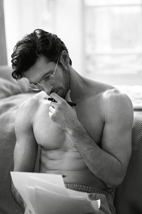 https://i.pinimg.com/736x/02/19/76/0219769558d7b49f5e082b5e9f5508f6--men-in-glasses-giorgio-armani.jpg