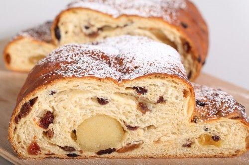 Ons favoriete kerstbrood-recept - Zachtzoet brood, zelfgemaakte spijs en de juiste verhouding vulling en kruim.