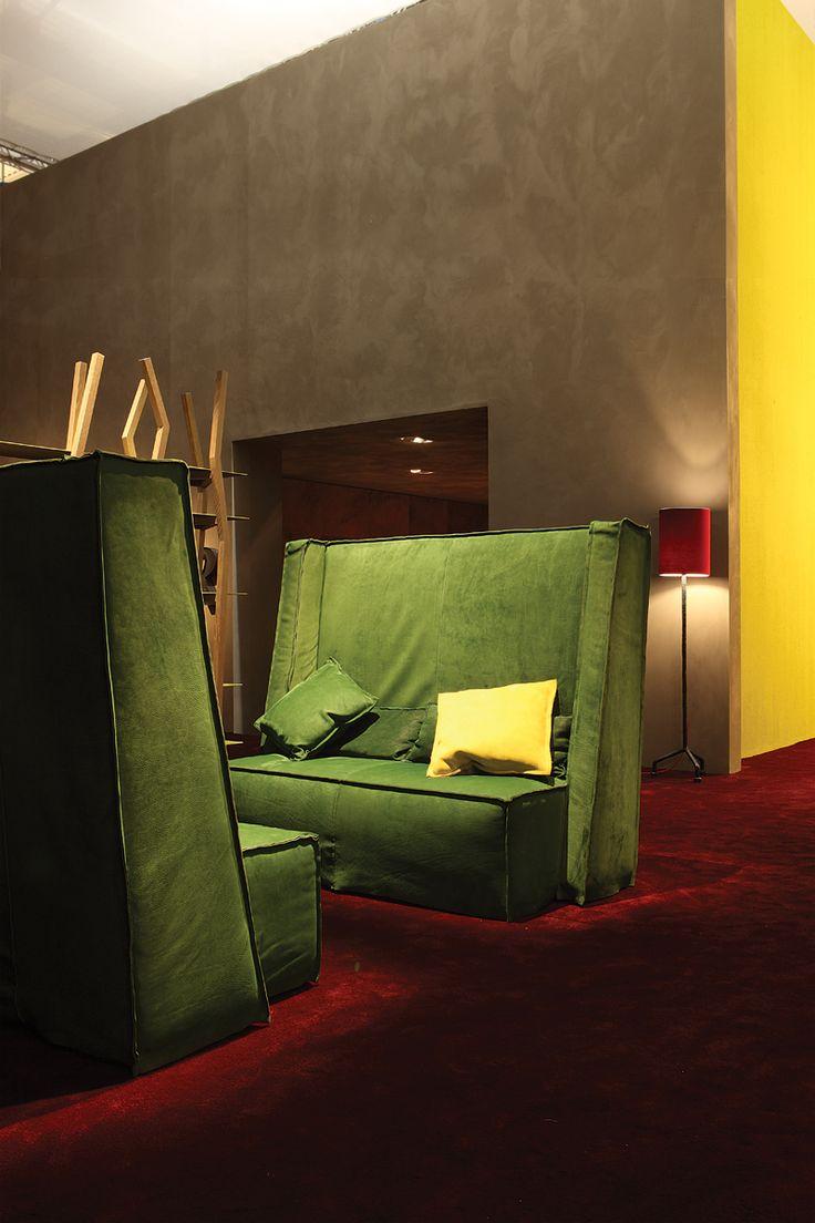 sofa aus leder mit hoher r ckenlehne trieste by baxter design paola. Black Bedroom Furniture Sets. Home Design Ideas