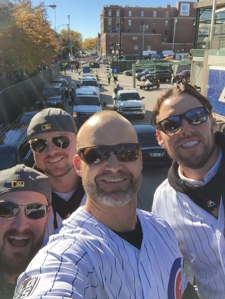 The boys are ready | Scenes from the Cubs celebration parade