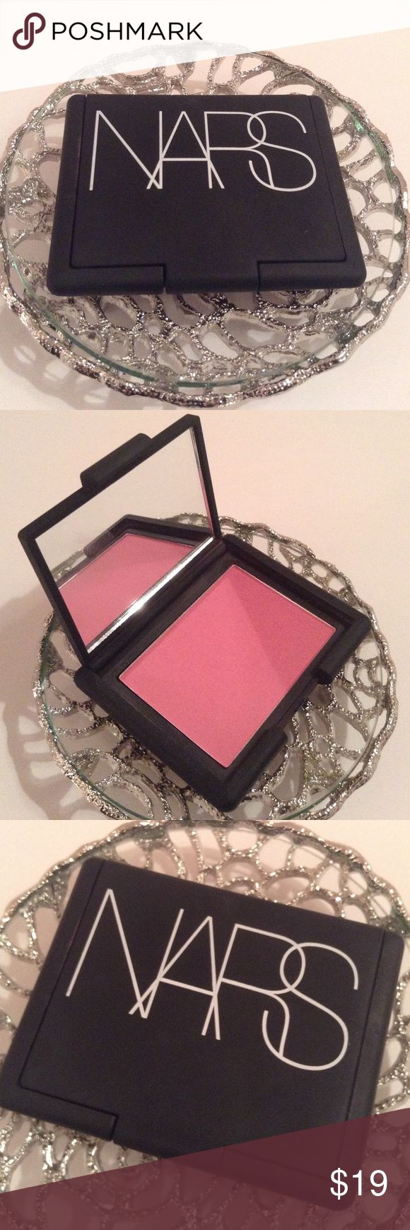 NARS blush in MATA HARI This beautiful blush was purchased at Sephora and was only used once or twice. Looks new!! MATA HARI is a universally flattering color. This color is similar to what the Kardashians use and is similar to a limited edition Mac rose blush. NARS Makeup Blush