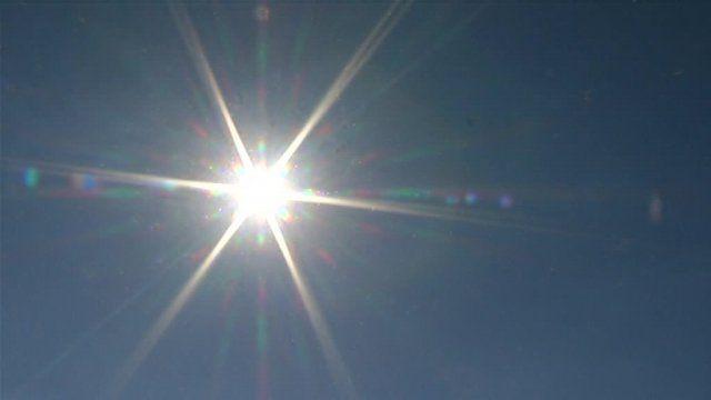 """Troyes, victime d'un """"coup de chaleur"""" Selon le site internet de La Chaîne Meteo, la ville de Troyes a été frappée par un phénomène rare : le """"Heat Burst"""", """"le coup de chaleur"""" dans la nuit de jeudi à vendredi. En une heure, la température est passée de 24° à 33°."""