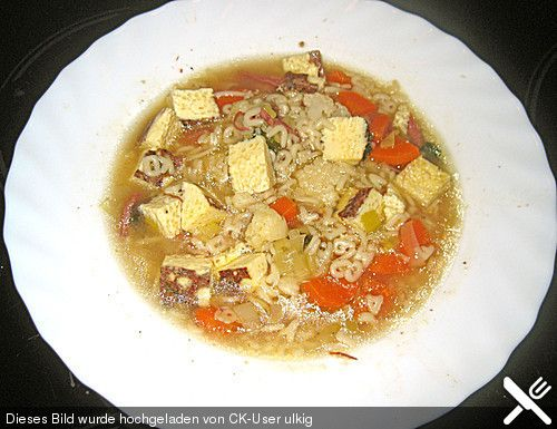 http://www.chefkoch.de/rezepte/1559321263378220/Omas-Rindfleischsuppe.html
