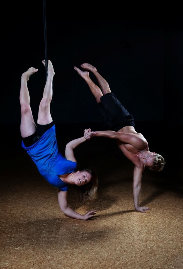 Touch Compass Dance Company - aerial bungee dance