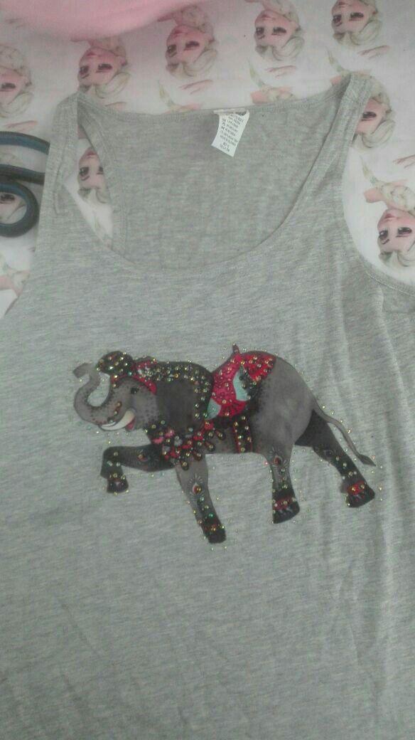 T-Shirt con apliques en pedrería, camisillas en algodón en colores rosa,blanco y gris. Envíos a todo el país (Pereira - Colombia), playera de verano.