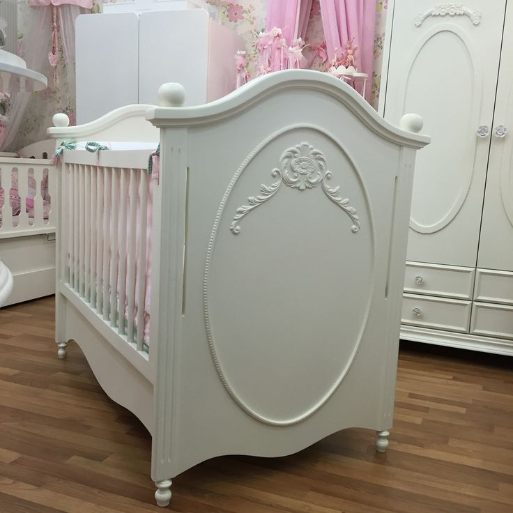 Bebek odası , bebek karyolası