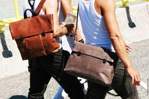 @laboixetaBags Leathe, Backpacks, Messenger Bags, Men Style, Design Handbags, Men Bags, Bags Trends, Bags Design, Leather Bags