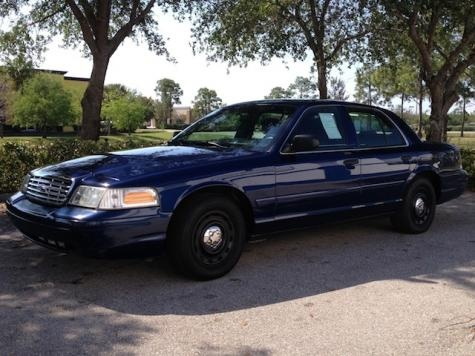 2004 Ford Crown Victoria P-71 Police Interceptor — $4250