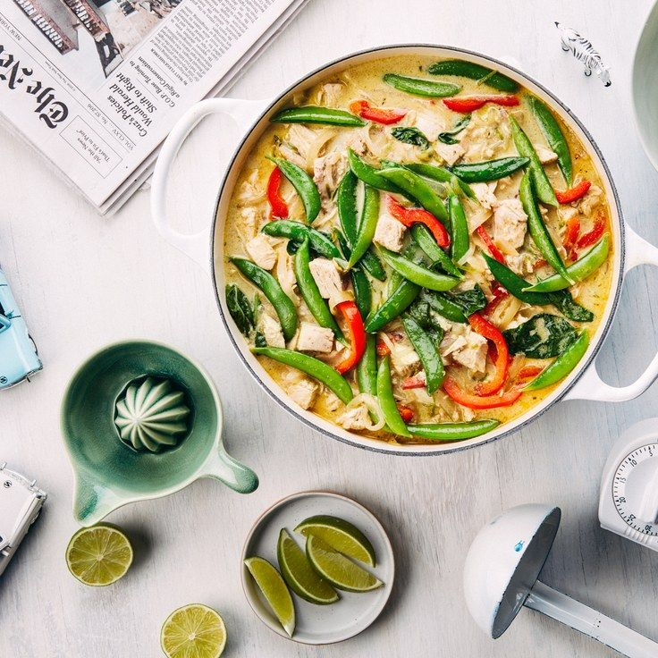 Easy Green Curry With Chicken, Bell Pepper, and Sugar Snap Peas. Serve over cauliflower rice
