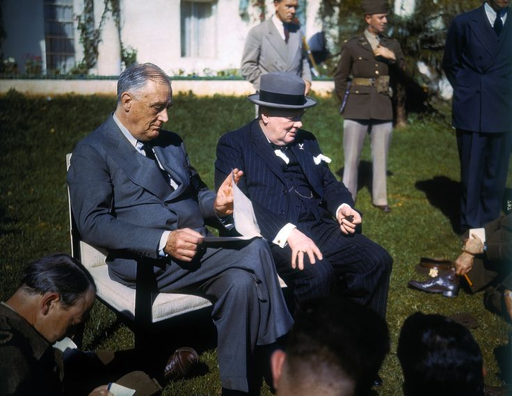 President Roosevelt and Winston Churchill at the Casablanca Conference, in a rare color photograph (1943)