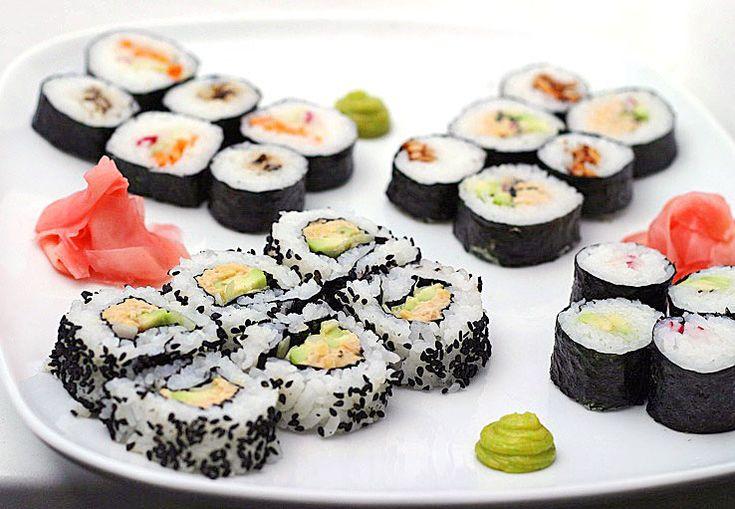 Udělat jednoduché maki suši dnes umí už skoro každý. Ozvláštněte si svůj repertoár výborným sushi s | Veganotic