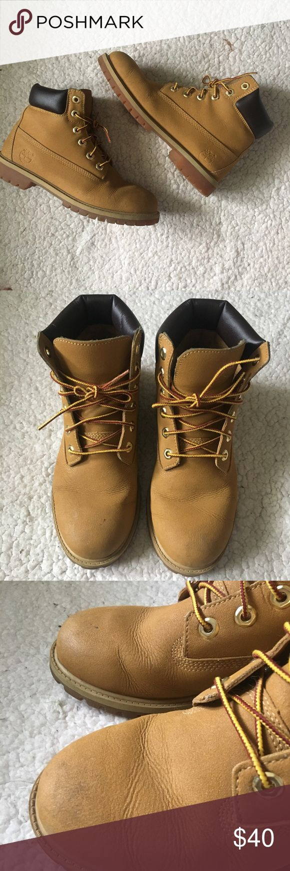 """❗️Timberlands❗️ * Wheat Timberland boots in gently used condition. These are a size men's 6 but fit a women's 7 1/2. Please view all photos.   ❌ NO TRADES ❌ ✨ AUTHENTIC ✨ 🌀 MAKE OFFERS 🌀  *** If you see more than one item you like, click on the """"add to bundle"""" option & give me an offer! I make amazing bundle deals! 💥 Timberland Shoes Lace Up Boots"""