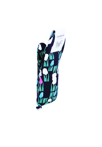 TULIP OVEN GLOVE. Material: 100% Cotton. Shop: http://shop.ivanahelsinki.com/collections/home/products/tulip-oven-glove #kitchen
