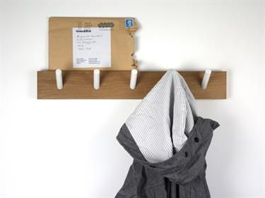 Wall mounted peg rack