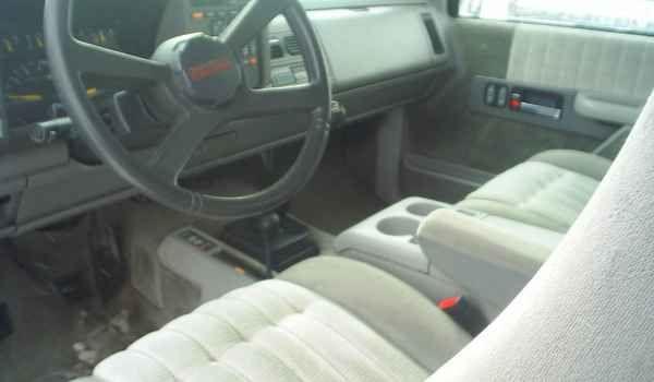 1993-Chevy-K1500-z71-xcab-int.JPG