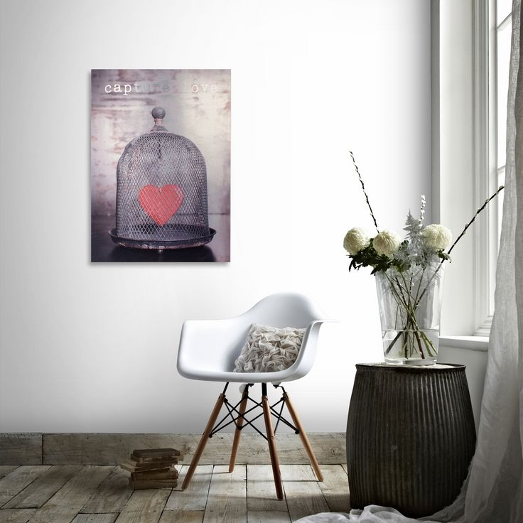 Zithoek met poster | Sitting area with poster | Present Time