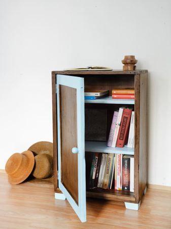 Dřevěná knihovna :: www.keporkakfurniture.cz