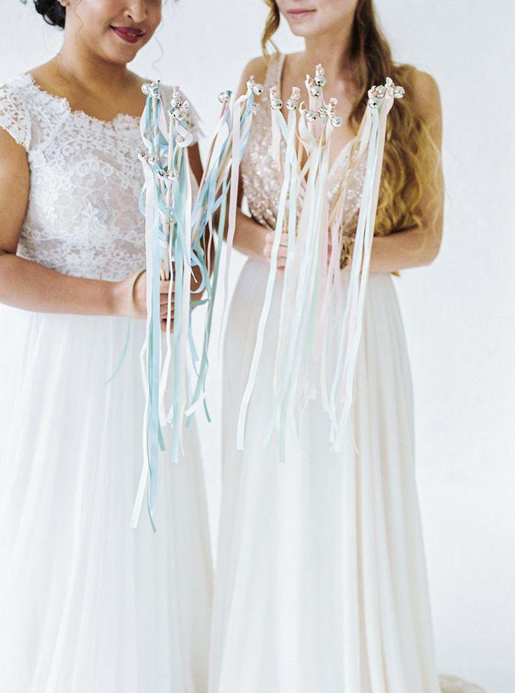Kein Konfetti und Reiswerfen? Wedding Wands zur Hochzeit als Idee