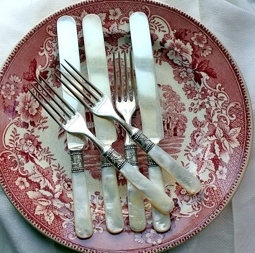 Set of Antique Victorian Mother of Pearl Flatware Service Sterling Ferrules: Dinners Sets, Redsmi Favorite, Flatware Service, Flatware Collection, Pearls Flatware, Red Dishes, Victorian Mothers Of Pearls, Antiques Victorian, Handles Flatware