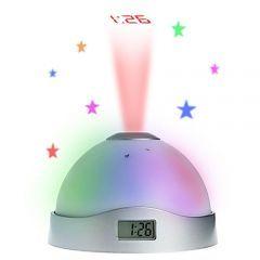 7 farklı renk değiştiren alarmlı projeksiyon saat ile odanızı renklendirmek mümkün.Saati tavana yansıttığı gibi, ön LCD ekrandada ayrıca görmenizi sağlar.