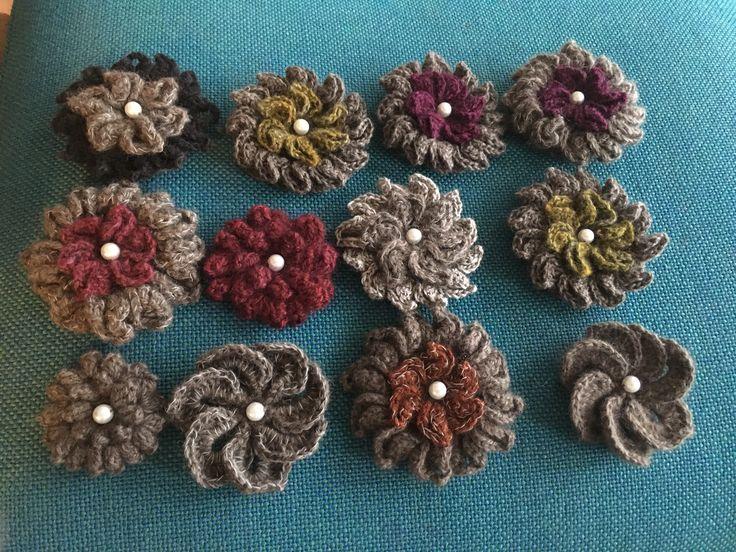 Moskus uld fra Niviarsiaq 🎀 Hæklede blomster med reflex👍🏻 Af Elsemarie Asmussen.