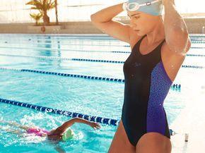 Cómo quemar más calorías en la piscina