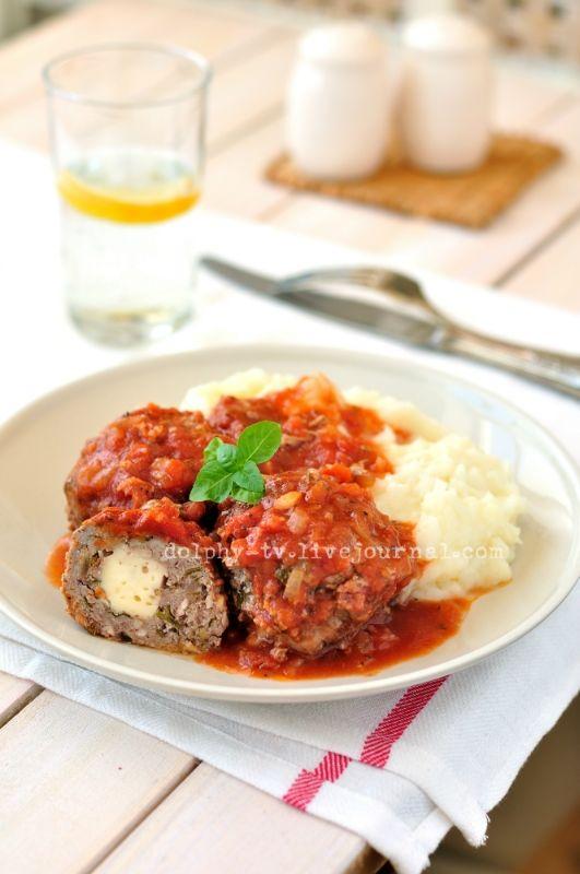 Meat Balls in Tomato Sauce / Тефтели с сыром в томатном соусе