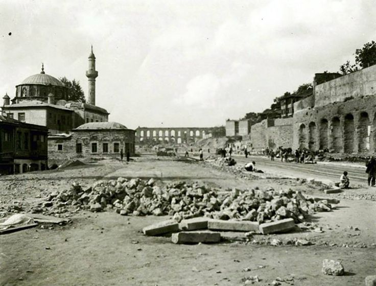 Unkapanı Atatürk Bulvarı