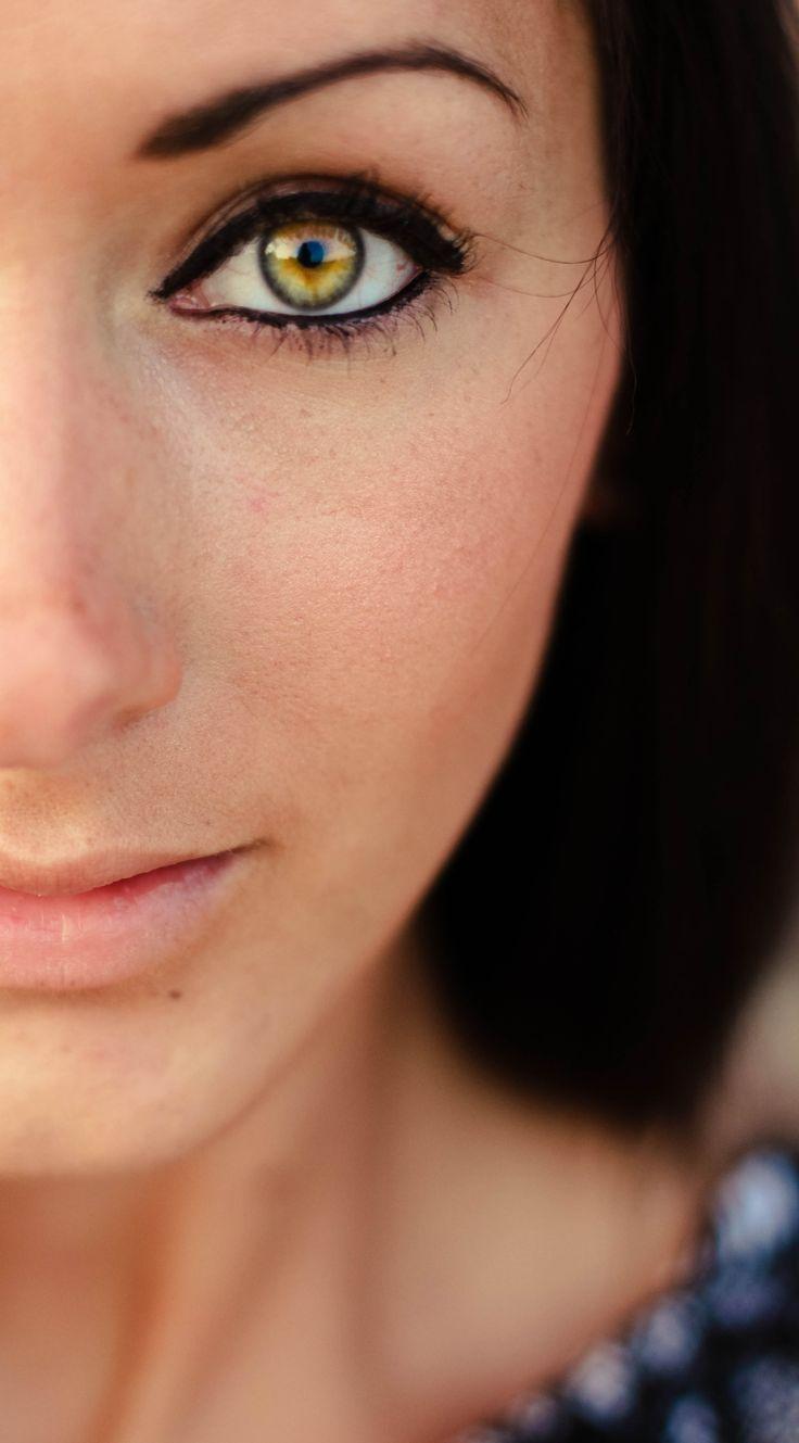 желтые глаза у людей фото починить путём ибирания