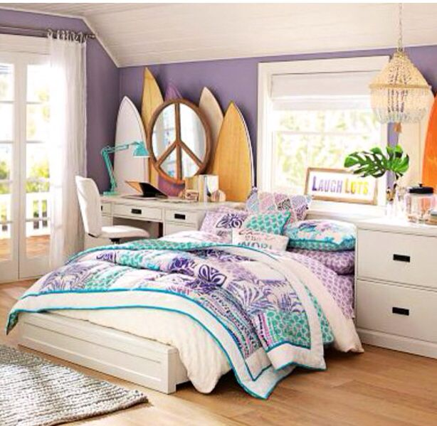 Surfer girl bedroom lets just run off somewhere for Bedroom ideas for girls in their 20s