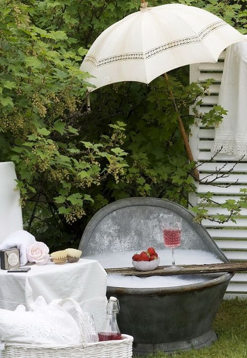 A Charming Garden Bath is probably the most requested special that I arrange for guests- outdoor bubbles in the bath and the champagne!