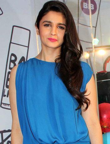 I don't have much acting experience, feels Alia Bhatt! - http://www.bolegaindia.com/gossips/I_dont_have_much_acting_experience_feels_Alia_Bhatt-gid-35537-gc-6.html